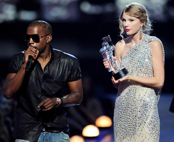 Kanye West Interrupting Taylor Swift